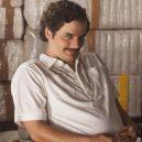 Seriály z dílny Netflix, které si žádný pořádný fanoušek nesmí nechat ujít - 35080_Stan-se-drogovym-bossem-jako-Pablo-Escobar-v-nove-mobilni-hre-podle-serialu-Narcos