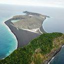 Tajemný ostrov v Pacifiku může vědcům prozradit, jak v minulosti sopečná činnost ovlivňovala vodu na Marsu - 9385992-6666805-image-a-33_1549311908476