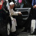 Jaký je vlastně papež? Podívejte se na 7 snímků, které ukazují, že současná hlava církve je člověk, jako každý z nás - 5a3aa6dbfcdf1e2c008b46e8-960-720