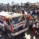 Legendární vítězství Karla Lopraise a jeho Tatry na Rallye Paříž-Dakar v roce 1988 - První-vítězný-dojezd-Tatry-Karla-Lopraise-k-Růžovému-jezeru