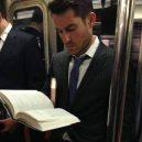 Podívejte se na frajery, kteří se čtení knih jen tak nevzdají - 39441257_1781322755313560_8079150220434210816_n