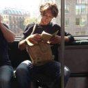 Podívejte se na frajery, kteří se čtení knih jen tak nevzdají - 39500531_1781322671980235_8504136422624591872_n