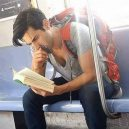 Podívejte se na frajery, kteří se čtení knih jen tak nevzdají - 39509732_1781322995313536_8019037690655670272_n