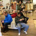 Katastrofální důsledky nakupování s partnerkou aneb noční můra (skoro) každého muže - 43025704_1696214277151044_6704434633271934976_n