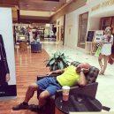 Katastrofální důsledky nakupování s partnerkou aneb noční můra (skoro) každého muže - 43047655_1696214380484367_1351779190491316224_n