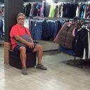 Katastrofální důsledky nakupování s partnerkou aneb noční můra (skoro) každého muže - 43160945_1696214377151034_4048914336213630976_n