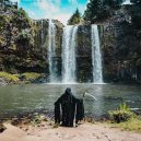 Podívejte se na vtipné fotografie smrtky u vody. Swim Reaper navíc slouží dobrému účelu - 58751215_971422429730474_2556040084159725568_n