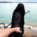 Podívejte se na vtipné fotografie smrtky u vody. Swim Reaper navíc slouží dobrému účelu - 58787553_971422189730498_8604805194707894272_n