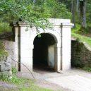 Inženýr Josef Rosenauer přišel v roce 1759 s geniálním plánem, jak zásobovat Vídeň dřevem přímo ze Šumavy - Dolní-portál-u-obce-Jelení-wikipedie