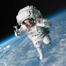 SodaStreamMe: perlivá voda z pohodlí vašich úst - PR image 1 – Scott in space with SodaStreamMe