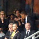 Jak to chodí u Obamových. Michelle ukázala rozdováděnému prezidentovi, kde je jeho místo - president-obama-kisses-first-ladys-hand