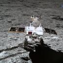 Čínská sonda jako první přistála na odvrácené straně Měsíce. Podívejte se na unikátní fotografie z její mise - Screenshot 2019-04-22 at 09.55.13
