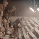 Jak probíhalo natáčení epické bitvy o Zimohrad? Podívejte se do zákulisí nejčerstvější epizody Game of Thrones - Screenshot 2019-04-30 at 18.55.04