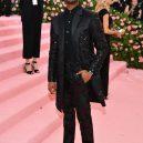 Nejvýrazněji oblečení muži na Met Gala 2019 - 079-michael-b-jordan-met-gala-2019-cnigq-credit-getty-images