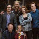 Avengers na jejich nejdůležitějí misi - 46483213_1903706449741856_613256389963284480_n