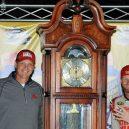 Nejbizarnější sportovní trofeje světa - dale-earnhardt-jr-martinsville-getty-ftrjpg_rw4ndimtuxny19g02hfbfmncr-e1469503170989