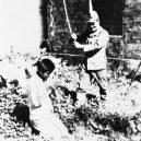 Nankingský masakr – zvěrstvo rovné holokaustu - decapitation-of-young-woman