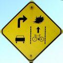 Nejpodivnější cedule a zákazy, které můžete po světě najít - Funny-Signs-Bike-42