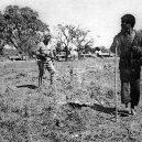 Nankingský masakr – zvěrstvo rovné holokaustu - japanese-rifleman-shoots-villager