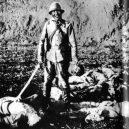 Nankingský masakr – zvěrstvo rovné holokaustu - japanese-soldier-holding-head