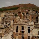 Poggioreale – největší italské město duchů zničilo zemětřesení - 190705164828-poggioreale-abandoned-italy-full-169