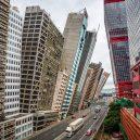 Surrealistické snímky Hongkongu vám ukáží světovou metropoli z úplně jiné perspektivy - BaOeWDuA2cs-png__880