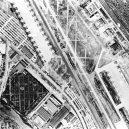 Obrovská továrna na bombardéry byla schovaná pod maketou města - boeing-fake-rooftop-town-world-war-seattle-12-5aa6556b169a3__880