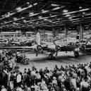 Obrovská továrna na bombardéry byla schovaná pod maketou města - boeing-fake-rooftop-town-world-war-seattle-13-5aa6556cbf3a3__880