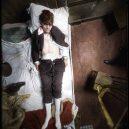 Oživlá kriminální historie – podívejte se, jak se vraždilo v minulém století - man-dead-in-bed