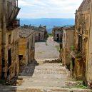 Poggioreale – největší italské město duchů zničilo zemětřesení - poggioreale-antica