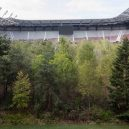 Ze stadionu roste les – važme si přírody, vzkazuje tím umělec. - http___cdn.cnn.com_cnnnext_dam_assets_190906103803-forest-in-football-stadium—klaus-littmann-for-forest—the-unending-attraction-of-nature-wrthersee-stadium-klagenfurt–gerhard-maure-12