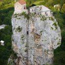 Gruzínský pilíř Katskhi – dávné místo poustevníků - o-6-900