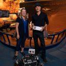 Mars 2020 – vaše jméno může být součástí průzkumného roveru - PIA23279-Mars2020BoardingPass-NASAEngineerJenniferTrosper&ActorBradPitt-20190906