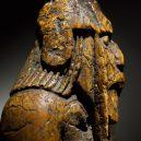 Šachové figurky z ostrova Lewis našly svého dávno ztraceného rytíře - _107185995_chessthree