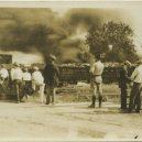 Největší rasové nepokoje v historii USA zůstaly zapomenuty - national-guard-watching-fires