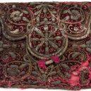 400 let potopený poklad jedné bohaté dámy zůstal perfektně zachován - Red-velvet-pouch