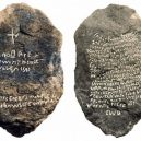 Záhada ztracené kolonie Roanoke, pod kterou se roku 1587 slehla zem - roanoke-stone
