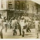 Největší rasové nepokoje v historii USA zůstaly zapomenuty - tulsa-riot-captured-negroes