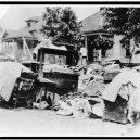 Největší rasové nepokoje v historii USA zůstaly zapomenuty - tulsa-riot-evicted-furniture