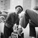 New York 40. let očima teenagera Stanleyho Kubricka - 59ad11121aafa-vintage-photographs-new-york-street-life-stanley-kubrick-59a925d883b2d__700
