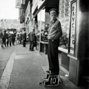 New York 40. let očima teenagera Stanleyho Kubricka - 59ad1113d475a-vintage-photographs-new-york-street-life-stanley-kubrick-16-59a91d0b4e1c6__700