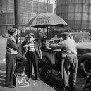 New York 40. let očima teenagera Stanleyho Kubricka - 59ad1116d75a0-vintage-photographs-new-york-street-life-stanley-kubrick-10-59a91cfe990ab__700