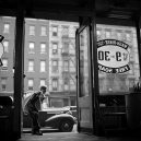 New York 40. let očima teenagera Stanleyho Kubricka - 59ad111851e49-vintage-photographs-new-york-street-life-stanley-kubrick-59a91f368bb06__700