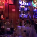 Poznejte jedinečný bar Hitori. Dovnitř můžete pouze v případě, že přijdete bez společnosti - bh-2