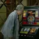 Štamgasti ze seriálu Hospoda, kteří hráli automaty - Snímek obrazovky 2019-11-20 v21.30.23
