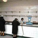 Retro nakupování. Pamatujete si na mléko v sáčku nebo Šuměnky? - 521_NR