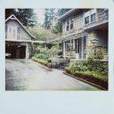 Fotografie z místa činu zůstaly nevyvolané v policejním trezoru – tak zemřel Kurt Cobain - driveway-house-and-greenhouse-of-kurt-cobain
