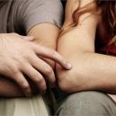 """Dlouhý oční kontakt nebo """"náhodné"""" dotyky. Jak poznat, že někoho sexuálně přitahujete? - Screenshot 2020-01-17 at 15.06.37"""
