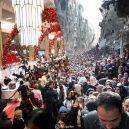 Válka vs. blahobyt. Prohlédněte si sérii fotografií zobrazující kontrast mezi východním a západním světem - ugur-gallenkus-contrasting-worlds-3