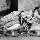 Opium omámilo v 19. století západní svět - female-opium-smoker-1909-granger